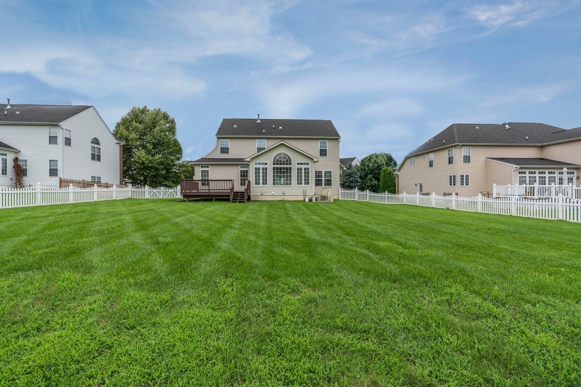huis met grasveld